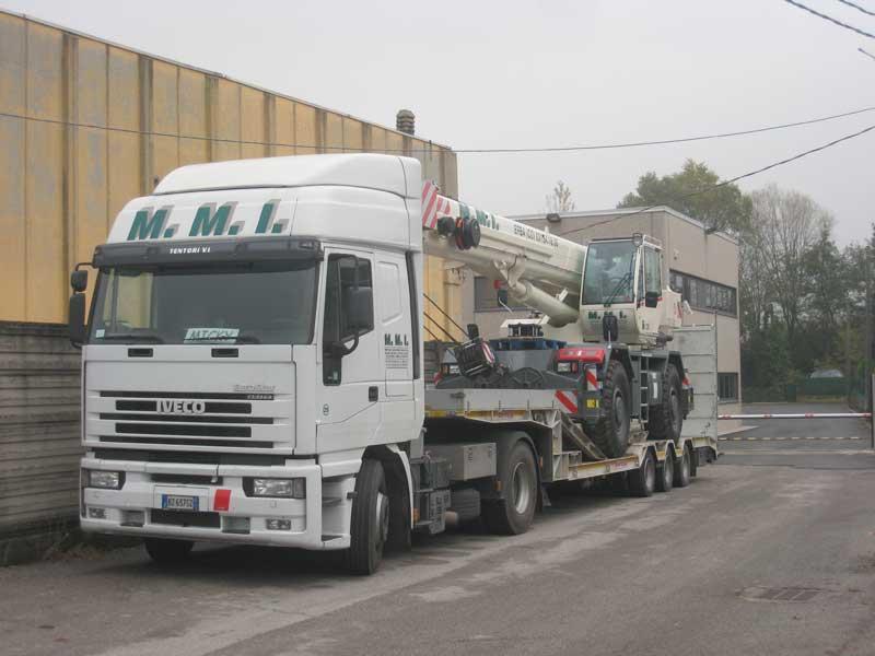 Smontaggio macchinari trasporto e rimontaggio
